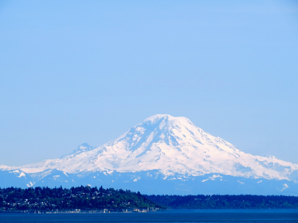 Mt. Rainier seen from Seattle